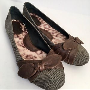 Womens BORN Gray Brown Bow Flats Size 9 Leather